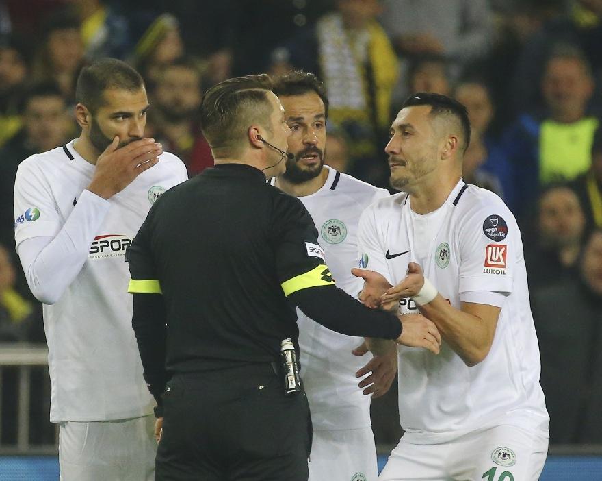 Konyaspor'a para  Jahovic'e 2 maç ceza