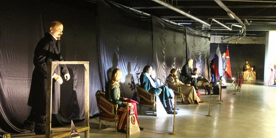 Balmumu Heykel Müzesi ziyaretçilerini bekliyor