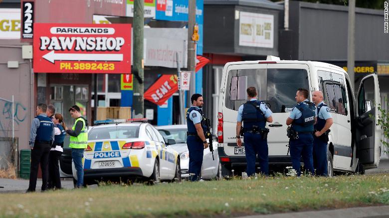 Londra'da Müslüman gruba saldırdılar
