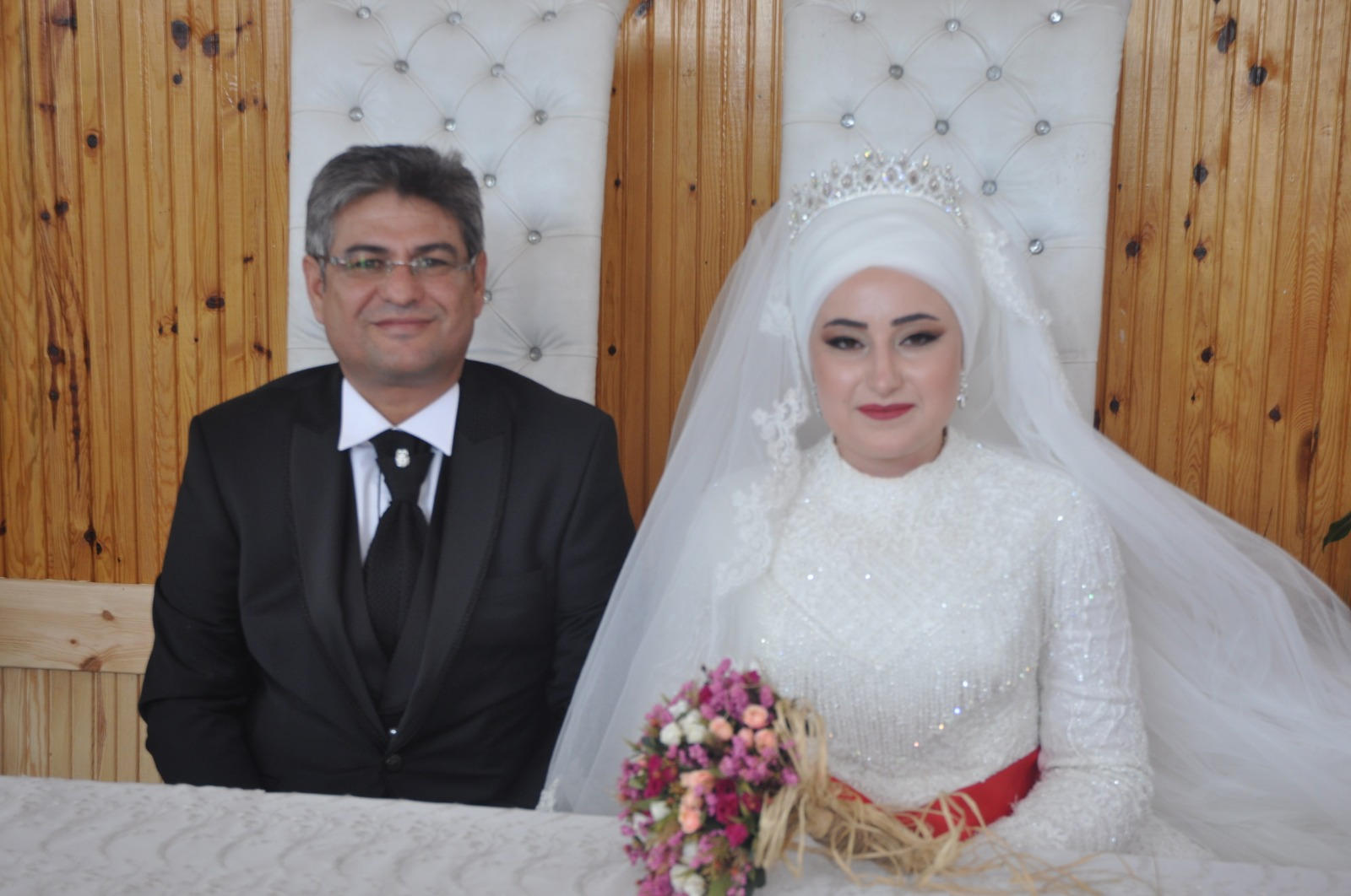 Elif Nihal ile Abdil dünya evine girdi