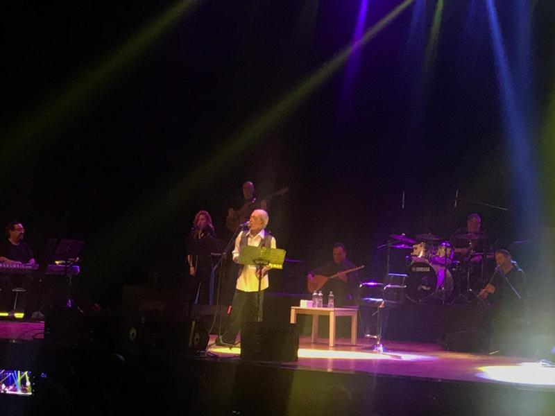 Akbayram 30 yıl sonra  Konya'da konser verdi