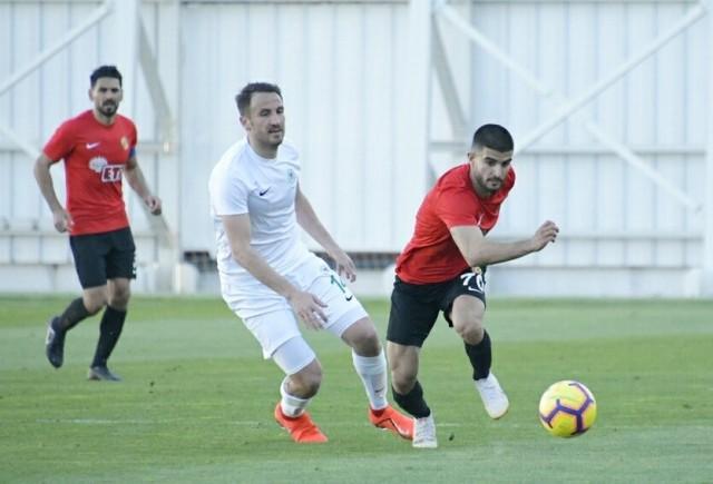Konyaspor  Eskişehirspor'la  berabere kaldı