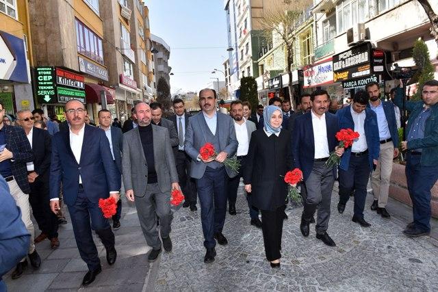 Mevlana'ya yürüyerek Konyalılarla buluştular
