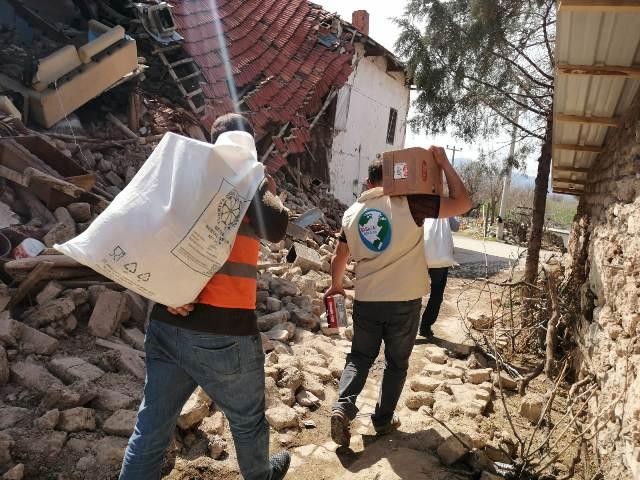 Konya'dan deprem bölgesine yardım
