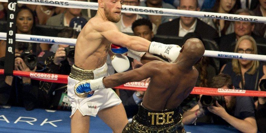 İslam düşmanı boksör emeklilik kararı aldı