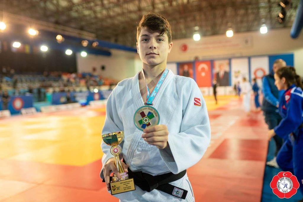 Selçuklulu judocu  bronz madalya kazandı