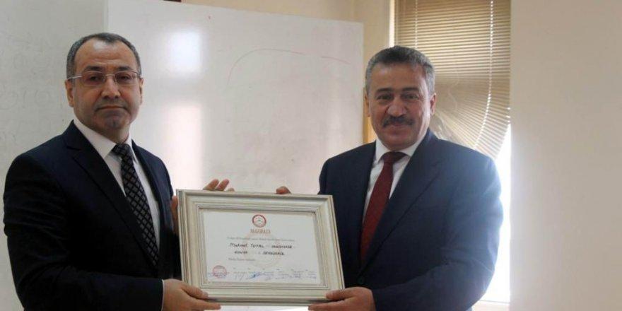 Başkan Tutal, mazbatasını aldı