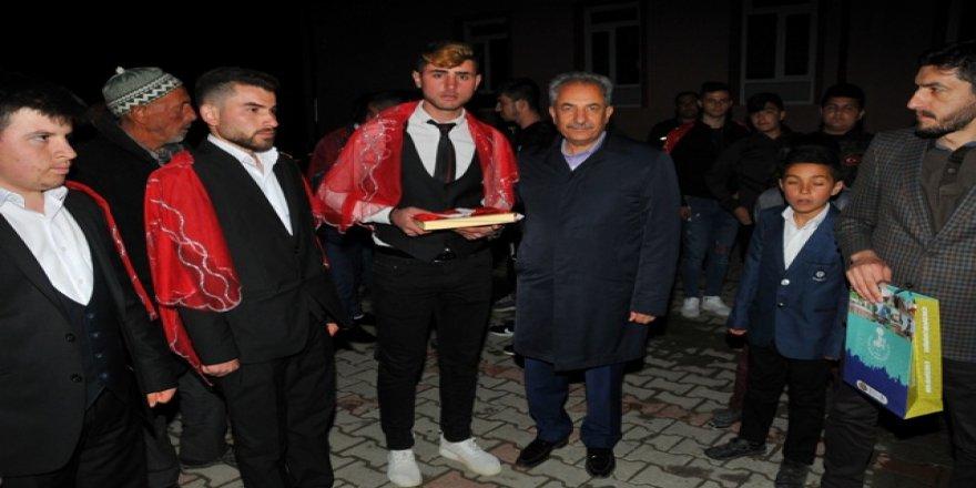 Akşehir'de kınalı kuzular askere uğurlandı