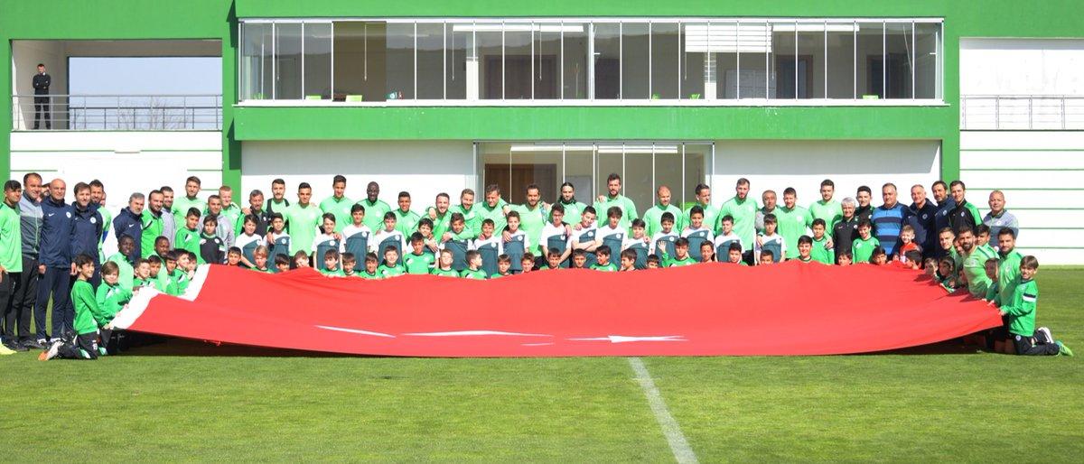 Konyaspor'a futbol okullarından ziyaret