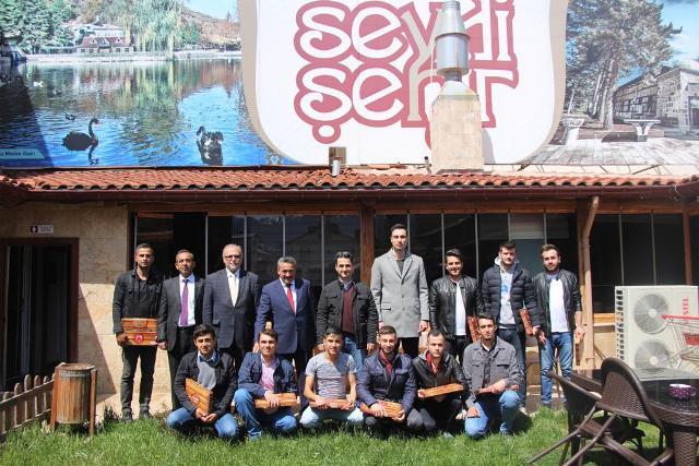 Başkan Tutal Mehmetçiklerle buluştu