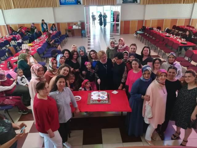 Sağlık-Sen üç günü  birleştirerek kutladı