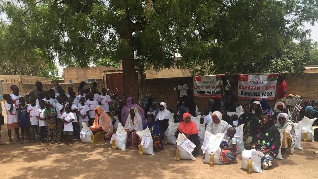 Dost Eli Burkina Faso'ya  'Ramazan Bereketi' taşıdı