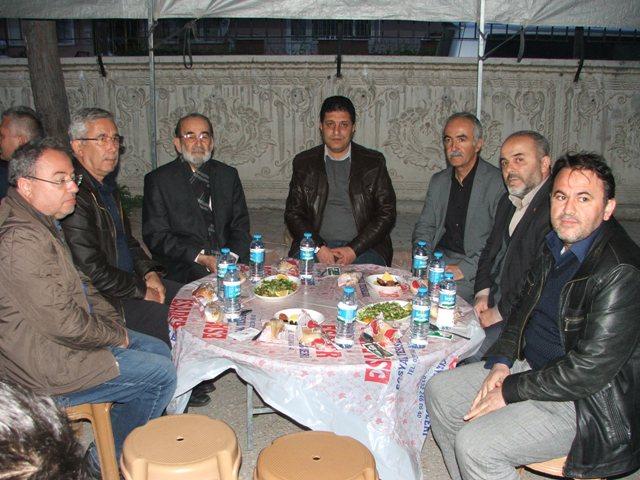 Öğretmen ve öğrenciler toplu iftar yaptı