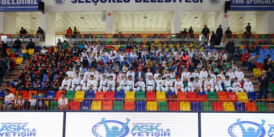 Selçuklu'da kış spor  okulları sona erdi