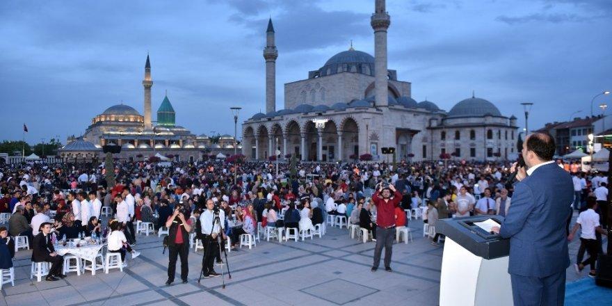 Konya'da ümmetin yetimleri kardeşlik iftarında buluştu