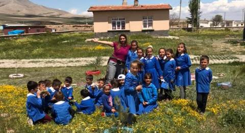 Yunak'ta okul dışarıda  günü etkinliği düzenlen