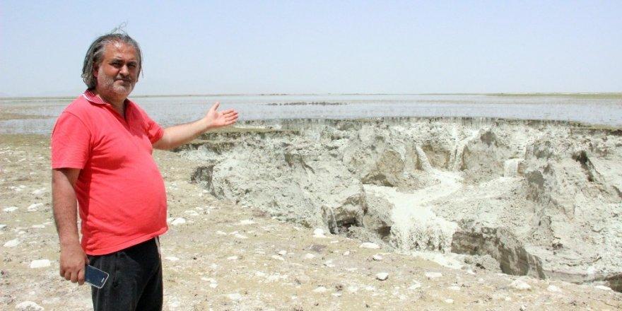 Kuş Cenneti Akgöl'de 2 obruk birden oluştu