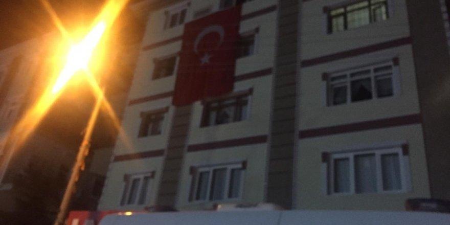 Hakkari şehidinin Başkent'te bulunan evine ateş düştü