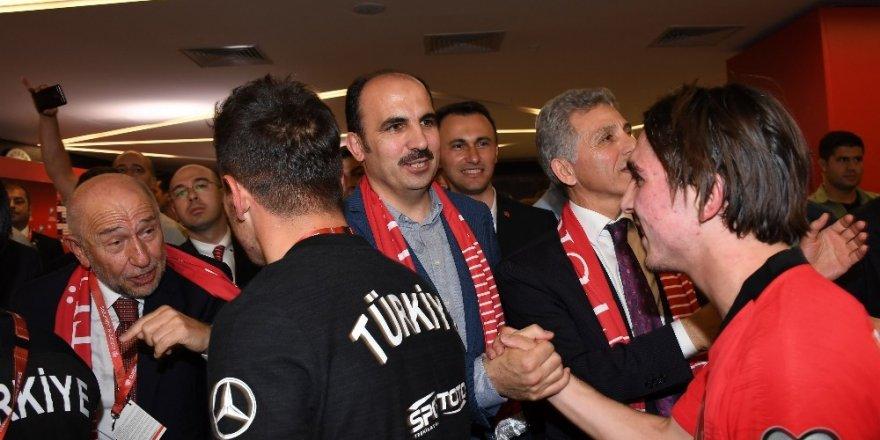 Başkan Altay Milli Takımı ve taraftarları tebrik etti
