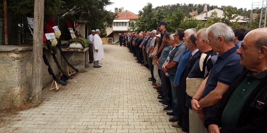 MHP kurucularından Vehbi Ünal vefat etti