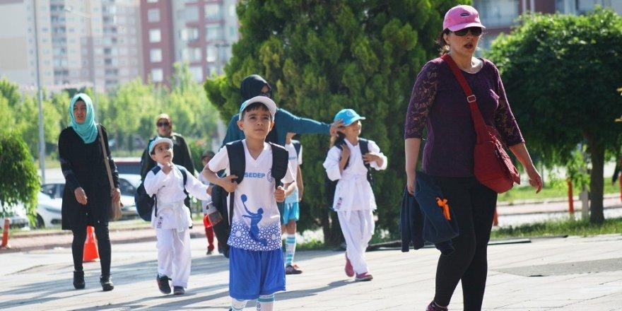 Selçuk'da, Yaz Spor Okulları 11 bin öğrenciyle başladı