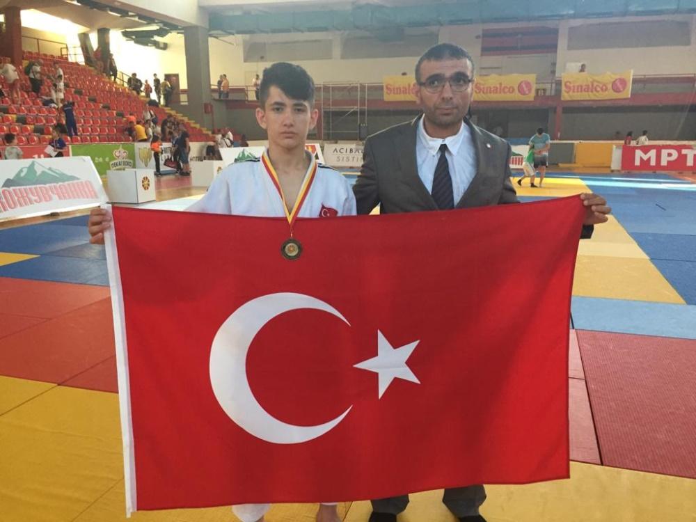 Selçuklu judodan altın madalya