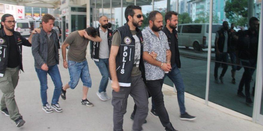 Villanın bodrum katını uyuşturucu imalathanesine çeviren 3 kişi tutuklandı