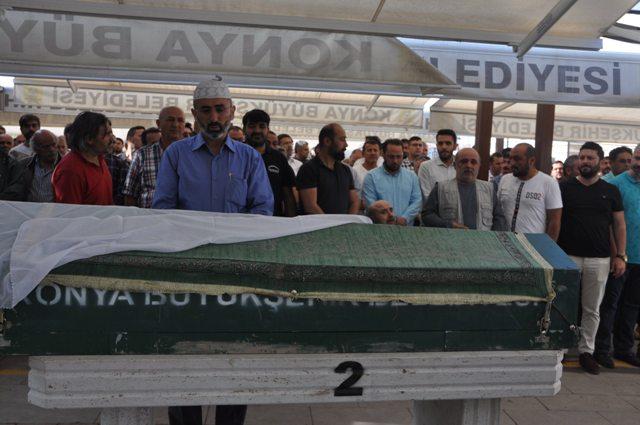 Mehmet Akgün'ün annesi hayatını kaybetti