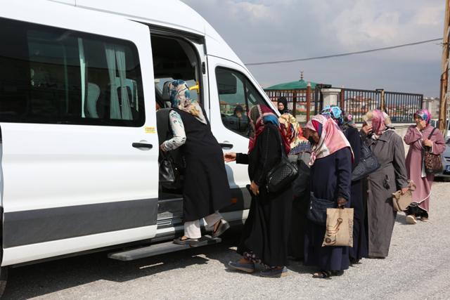 Meram'da uzak mahallelerde yaşayan kadınlara erken teşhis muayenesi yapılıyor