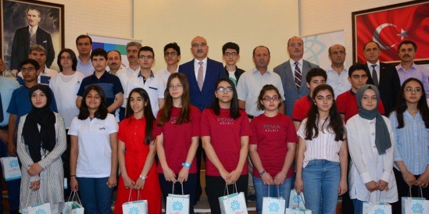 Konya'daki LGS birincileri ödüllendirildi