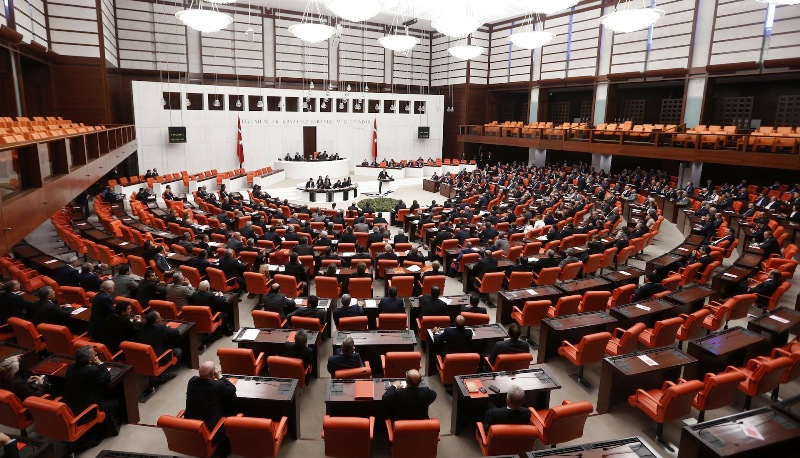 İYİ Parti Meclis'e bilardo masası istedi