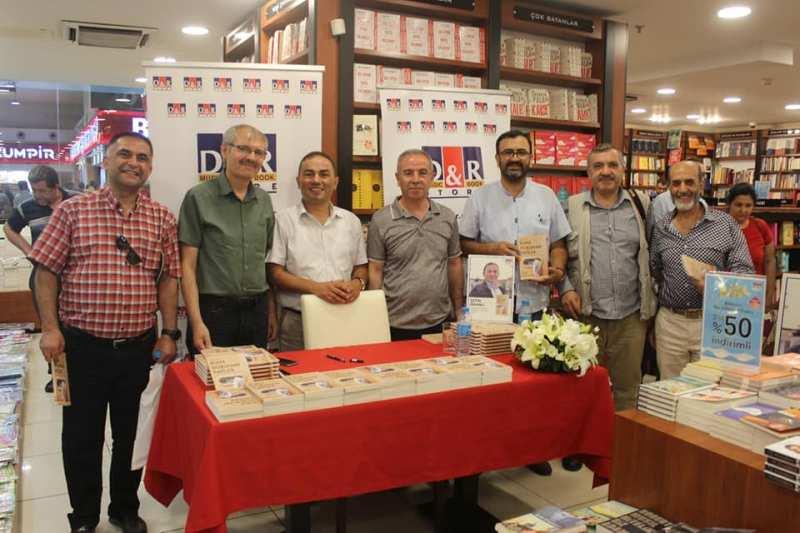 Oranlı son kitabını Konya'da imzaladı