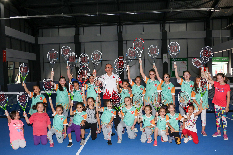 Başkan Kavuş spor  okullarına misafir oldu