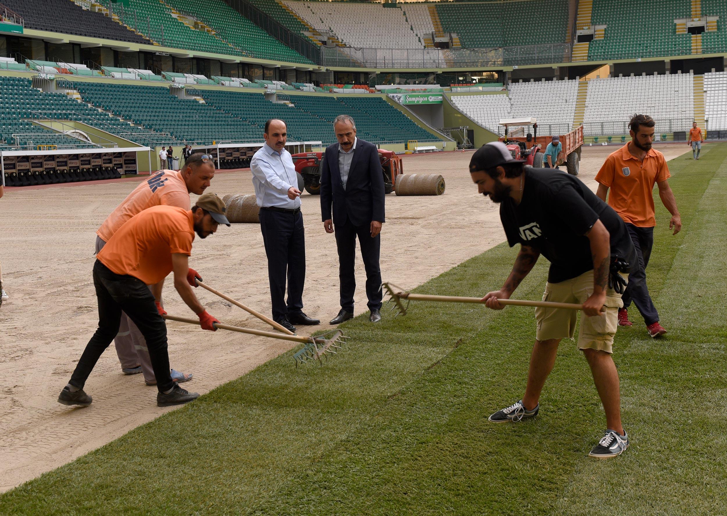 Stadyumunun Çim Zemini Yenilendi