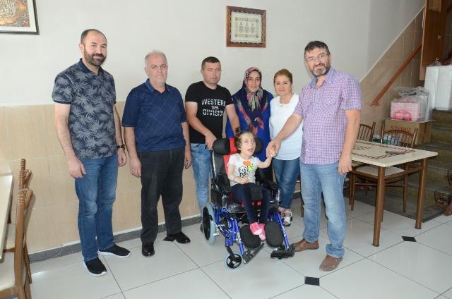 Engellilere akülü araç desteği verildi