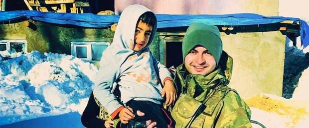 Minik Ayaz ile Astsubay Yavuz aynı karede