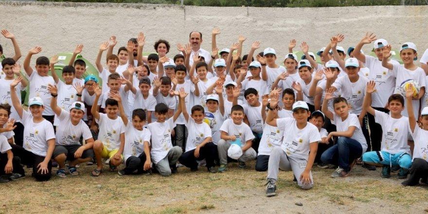 Altay, Atabey Gençlik ve Eğitim Kampında öğrencilerle buluştu