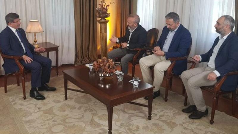 Davutoğlu'nun konuştuğu gazetecinin işine son verildi