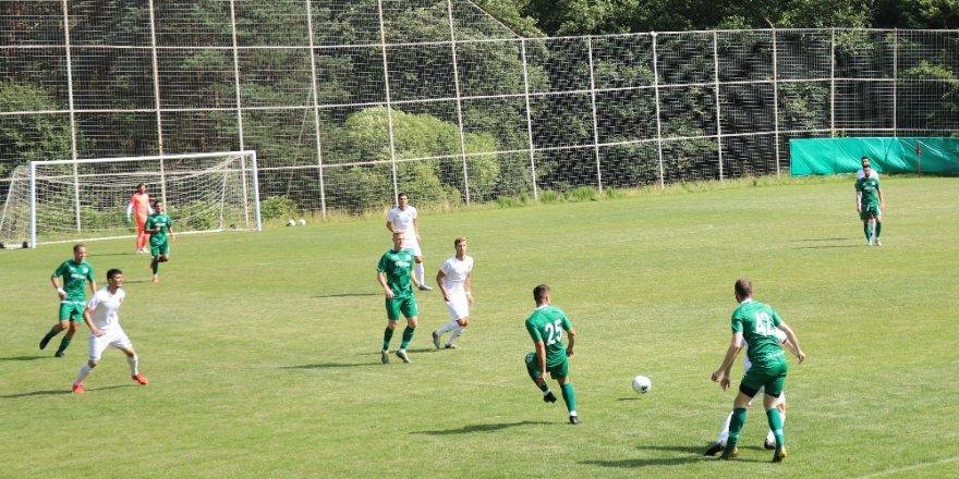 Konyaspor hazırlık maçında Alanyaspor'a mağlup oldu