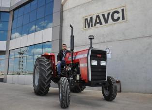 İlçede traktör üretildi