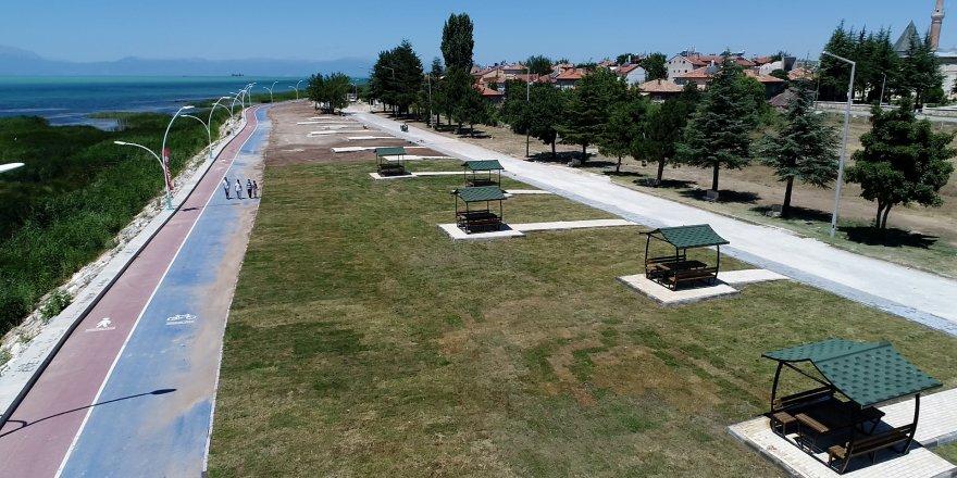 Beyşehir'de sahil bandı yenileniyor