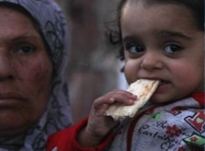 İslam dünyasına: Suriyeliler bari açlıktan ölmesin