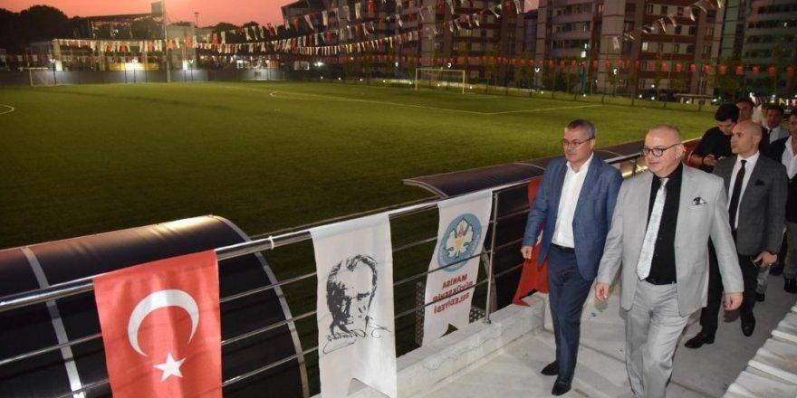 Tevfik Lav ve Fikri Bayrıl Spor Tesisleri açılışı ertelendi