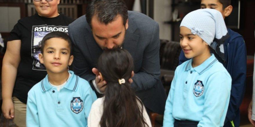 Başkan Şerifoğulları  çocuklarla bir araya geldi