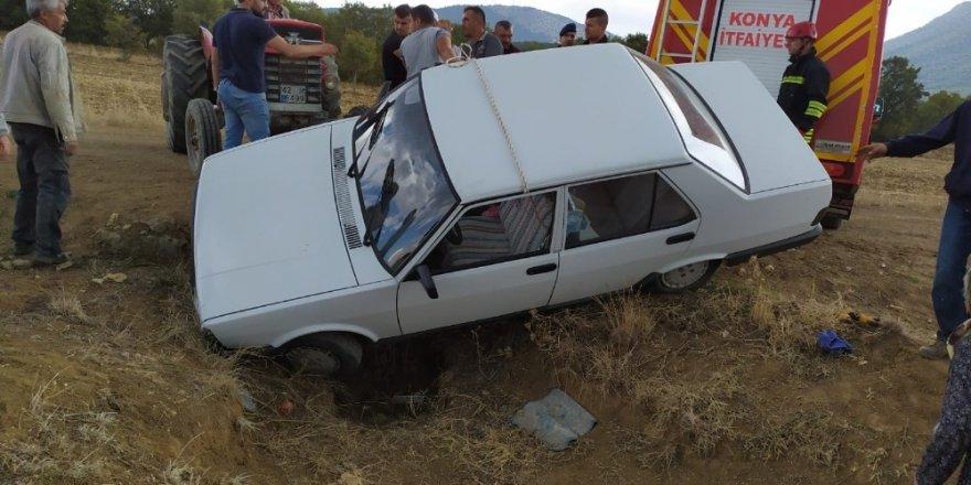 Beyşehir'de otomobil menfeze düştü: 2 yaralı