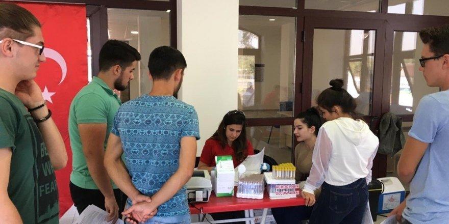 ADÜ Meslek Yüksekokulları kan bağışına dikkat çekiyor