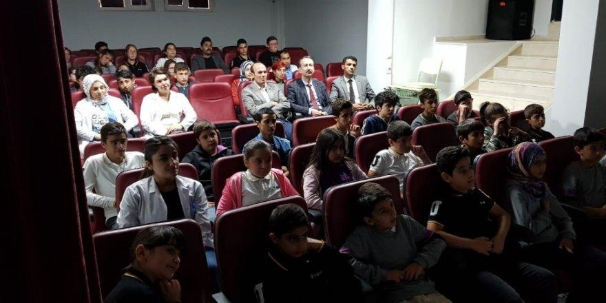 Öğrenciler ürün güvenliği eğitici çizgi filmlerle öğreniyor