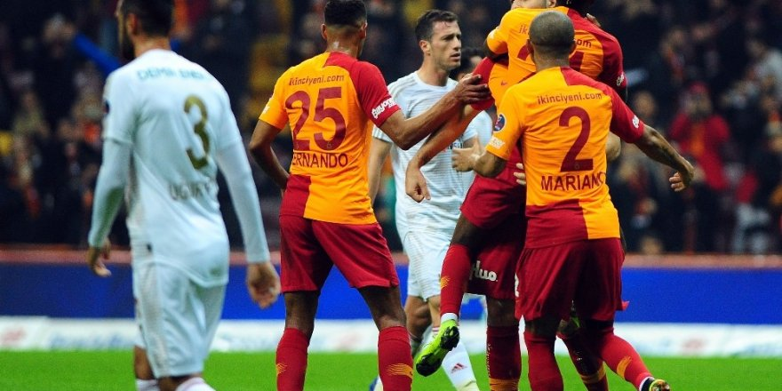 Galatasaray ile Sivasspor 27. randevuda