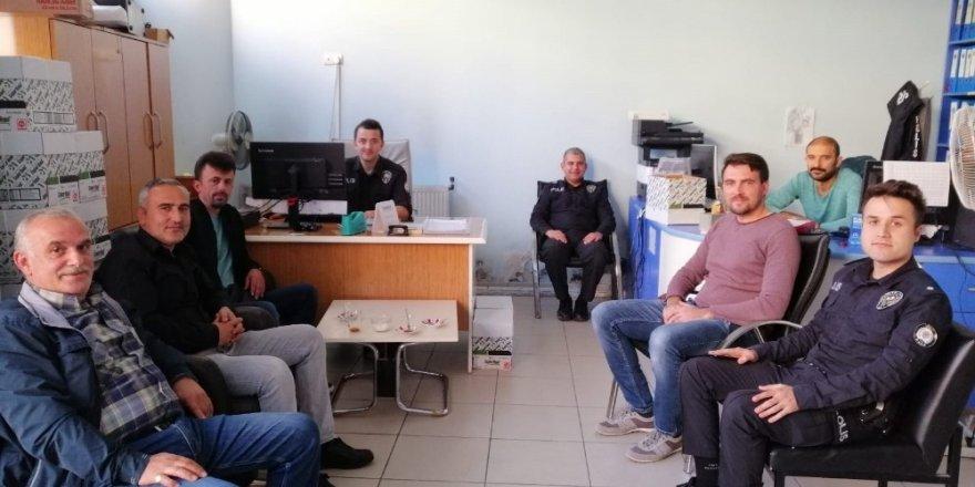 Türkeli'de polis, telefon dolandırıcılığına karşı broşür dağıttı