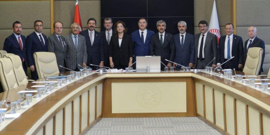KDK kararlarına uymayan idareciler koltuklarında kalmıyor